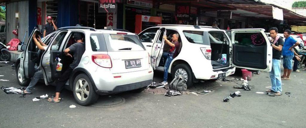 JASA PASANG STICKER MOBIL DI JAKARTA MURAH PANGGILAN 2