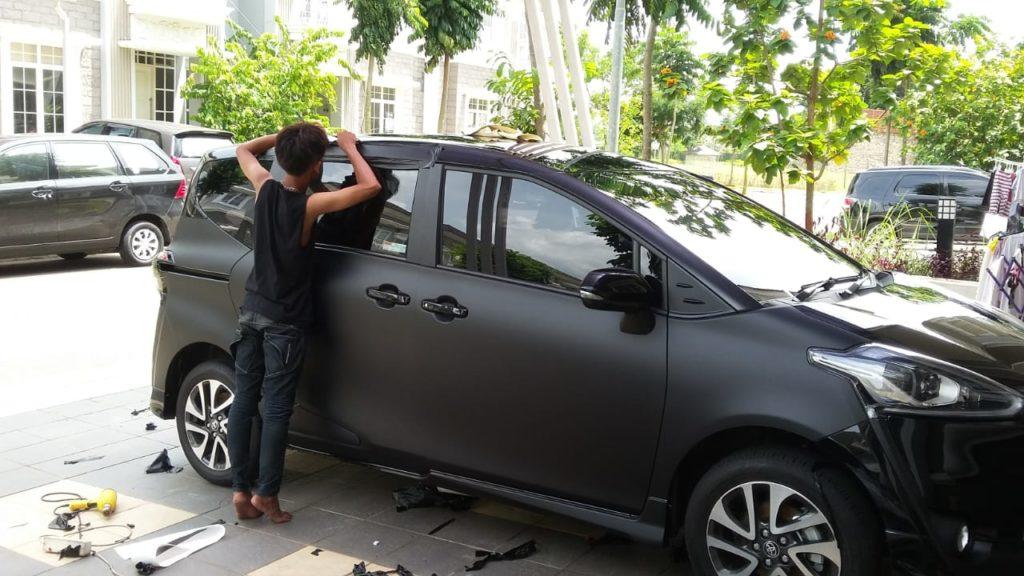 JASA PASANG STICKER MOBIL DI JAKARTA UTARA 2